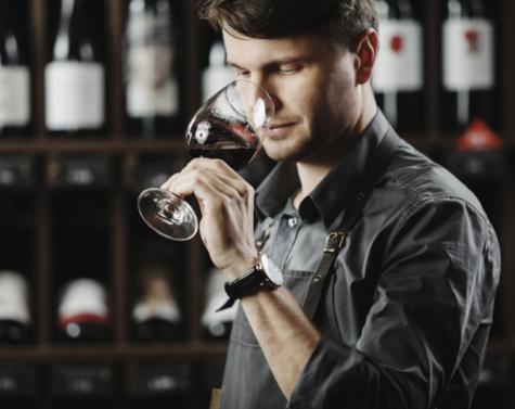 Disse 5 ting er VIGTIGE når du drikker rødvin