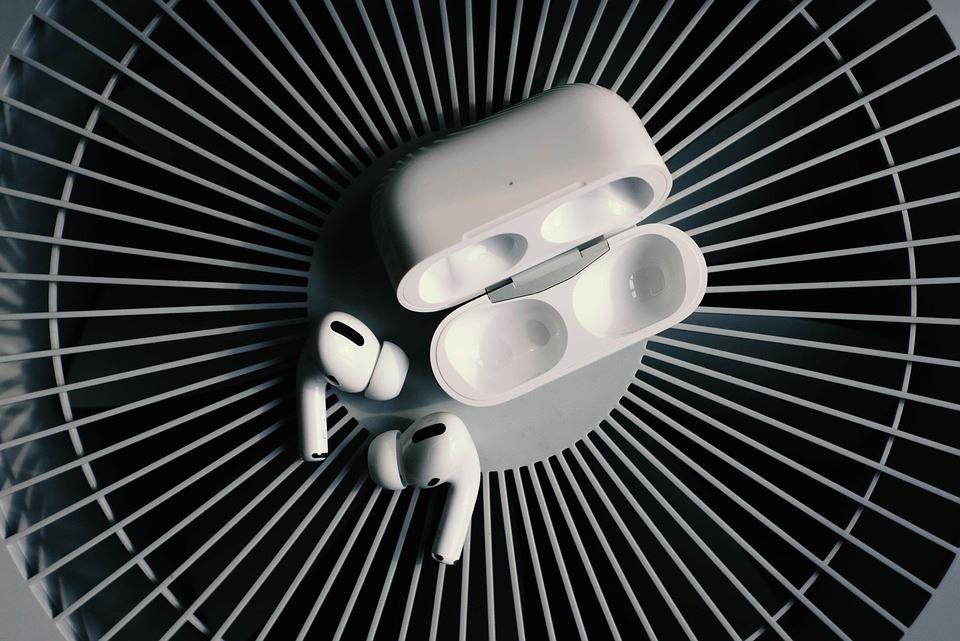 Køb Apple AirPods og Bluetooth headset til mænd