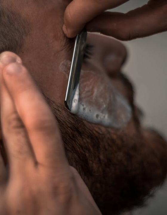 Mange mænd glemmer at pleje huden efter barbering